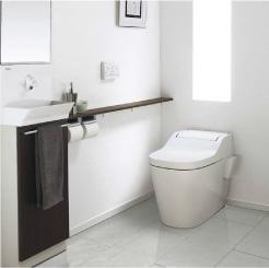 お掃除もしやすい自動洗浄トイレ01