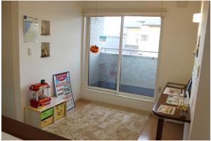 二階にはファミリーコーナーが有り、サンルームやパソコンコーナーとして活躍します。